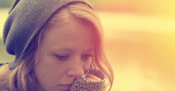 ビッチな女性の特徴1:寂しがり屋タイプ