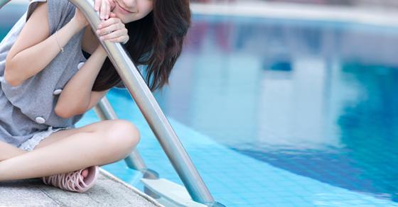 このホテルだとプールついてるよ、え?!泳がない?! じゃあ向こうでいいや