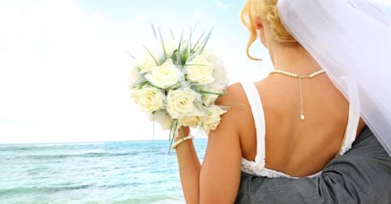 元カノが結婚すると知った時の、男の正しい対処法4選【パターン別】
