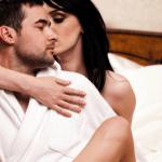 彼氏とのセックスで、女性が感じてる演技をしてしまう瞬間 12選