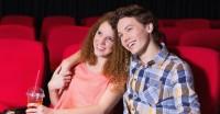 初デートに映画館が最適な理由②鑑賞中は無言で過ごせるので、話題を考えなくていい