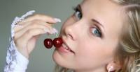 舌にピアスを開けている女性の特徴