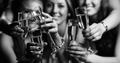 女性がお酒を飲むとエッチな気分になる科学的な理由とは?