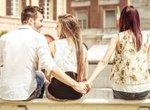 彼女が別れを決意する彼氏の行動①女友達と二人で出かける