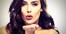 女性からボディタッチ|実は、触る場所によって異なる女性心理10選