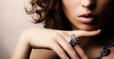 男を虜にする『魔性の女』の特徴・28選