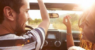 ドライブデートで絶対使える!沈黙を回避できる会話ネタ5選