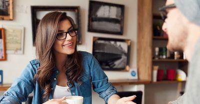 女性から恋愛の悩み相談をされた時の対処法と注意点 5選