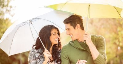 デート中に雨が!⇒そんな時、女の好感度をあげる模範的対応 6選