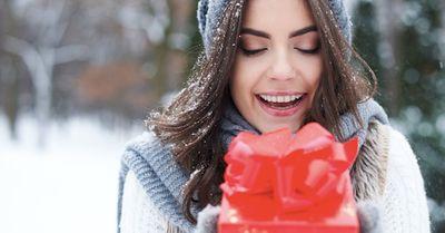 彼女が本当に欲しいプレゼントを、上手いこと調べる方法 5選