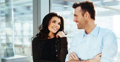 必見!社内恋愛を確実に成功させる上手なアプローチ 8選