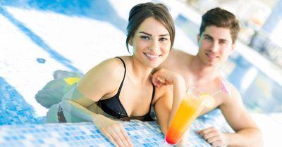 夏のプールでナンパする方法・コツ8選