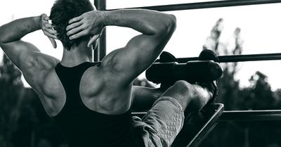 座ったままで出来る、ダイエットに効果的な筋トレ方法10選