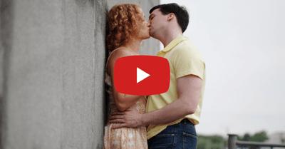 3つの質問をするだけで、美女と100%キスする方法【動画】