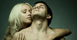 同僚をセフレにするコツと、職場でバレずにセックスする方法&体験談