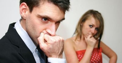 悲しすぎる…束縛する人の心理とその理由が恐ろしい 4選