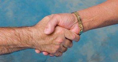 手フェチな女性が大好物な男性の手とは? 6選