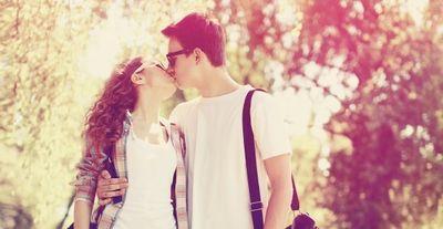 「エッチNG、キスはOK」のキスフレが急増してるらしい。その実態