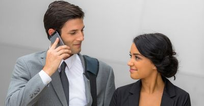 社内恋愛で片思いしたら、絶対覚えておくべき対処法 5選