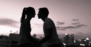 コレ知らないと絶対損するヤツ!遠距離恋愛を上手く続けるコツ