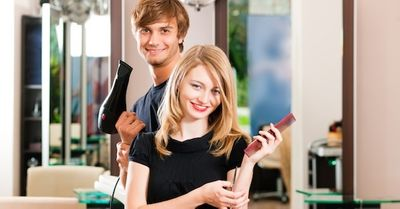 芸能人にもモテる職業、「美容師」に学ぶ恋愛トーク術