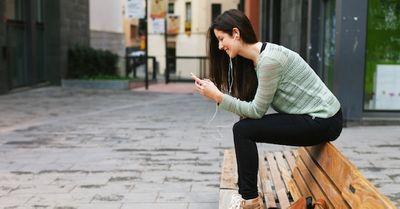 好きな女性からのメッセージ!メール・LINEの脈ありパターン 10選