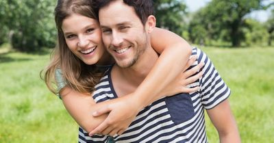 どっちがいいの?男女で違う「手を繋ぐ」と「腕を組む」恋愛心理