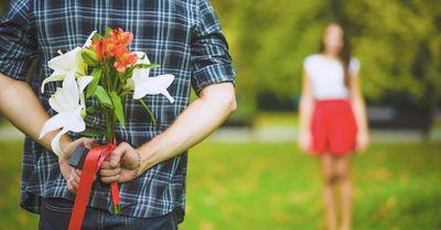 女性が好きな男性にだけ出す「告白して♡」の合図12選