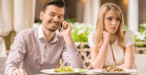 男性必見!女性とのデートで避けるべきNG行動10選