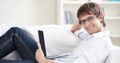 好感度を独り占め!職場で女子の「癒し系男子」になる方法5選