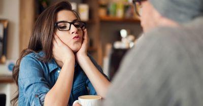 「真面目に話を聞いて欲しい時」に、彼女が彼氏に出してるサイン10選