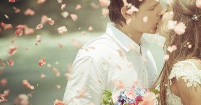 【男女別】結婚を決意するタイミング 10選