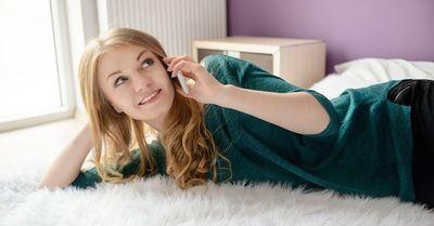 「眠れない♡」彼女から深夜に電話がきた時のベストな返答10選
