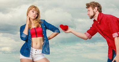 デートに誘う男に対して脈ナシを理解させる、女の断り文句10選