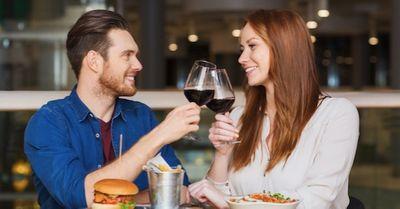 ディナーデートで女性が「ステキ!」と感じる男性の言動 10選