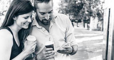 自然に気になる女性から連絡先を聞き出す方法 10選