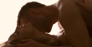 セックステクニック|女性を虜にするエロいピストンとは?
