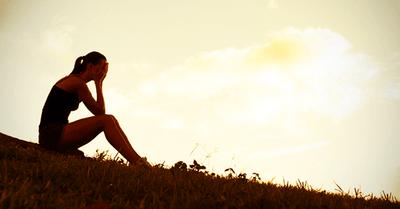 失恋したときに、心を軽くする方法16選