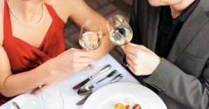 【ケース別】女性から食事に誘う心理4選
