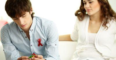 HIVの初期症状と発生率まとめ(発熱/喉の腫れなど)