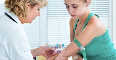 【性病】クラミジア検査|血液検査の方法と流れ