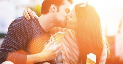強引にキスされることに憧れる女性の心理4選