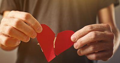 辛すぎる…。彼女との失恋から早く立ち直る方法11選