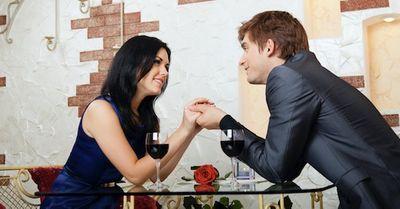 女性を口説き落とす為の上手な恋愛の駆け引き15選