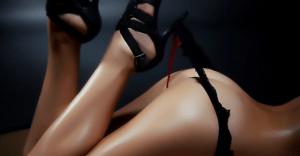 浜崎あゆみのセクシーなエロ画像30枚|胸、下着姿など満載!