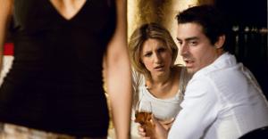 引っかかっちゃダメ!浮気を疑う女性が使う「かまかけ」セリフ5選
