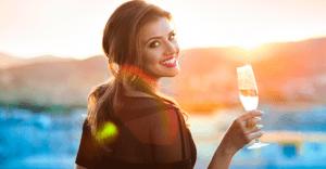 飲み会のときに注意すべき、猫かぶり女子の特徴5選