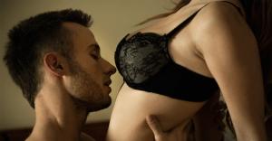 菜々緒のセックス事情|ローリングフェラが得意なヤリマンドS女