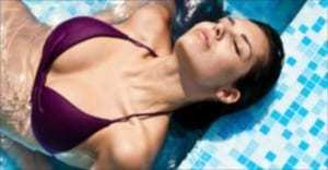 プール撮影のエロ動画おすすめ10選|水着美女たちの濡れ濡れハレンチ性交に興奮