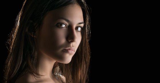 魔性の女の特徴14:冷たい印象にも見える